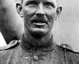 English: Alvin York Français : Alvin Cullum York Deutsch: Alvin C. York
