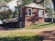 Back and kitchen of Monticello.