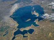 English: The Aral Sea, the fourth largest lake in the world, can be seen in this low-oblique, south-looking view. When this photograph was taken by the STS-51-F mission, the Aral Sea covered an area of approximately 26 000 square miles (67 000 square kilo