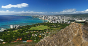 English: View of the Waikiki Beach from the rim of the Diamond Head crater. Picture taken at Diamond Head State Monument, Honolulu, Hawaii, USA.