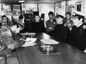 Firma de rendición incondicional de Alfredo Astiz en la guerra de las Islas Malvinas