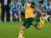 English: Harry Kewell representing the Australian national football team against Paraguay at the Sydney Football Stadium.