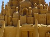 English: Intricate sand castle sculpture, approx. 10 feet high, in Victoria, Australia Deutsch: Sand-Art-Sandskulptur, ca. 3 m hoch, in Victoria (Australien)