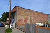 English: Bull Durham Smokeless Tobacco Signage (Oakland, Oregon)