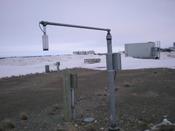 English: An automatic snow depth sensor