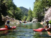 English: The Alzar School uses outdoor adventure to teach students leadership skills.