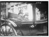 Sec'y. Daniels & Gov. Glynn, 1914  (LOC)