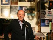 English: Billy Collins at D.G. Wills Books, La Jolla, San Diego Deutsch: Billy Collins bei D.G. Wills Books, La Jolla, San Diego