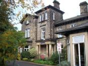 English: Wheatfields Hospice. Sue Ryder Care Wheatfields Hospice on Grove Road Headingley.