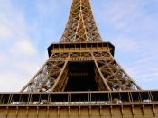 English: The Eiffel Tower.