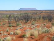 Australian Outback: Mount O'Connor, a mesa between Alice Springs and Uluru Français : Paysage de l'outback.
