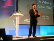 English: Daniel Pink speaking at the Chartered Institute of Personnel and Development's annual HRD Learning and Development Conference in London.