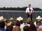 English: President Barack Obama talks at the DeSoto Next Generation Solar Energy Center
