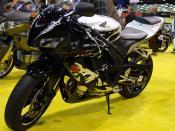 English: 2010 Honda CBR600RR at the 2009 Seattle International Motorcycle Show