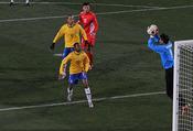 Português do Brasil: Seleção brasileira estreia na Copa do Mundo de 2010 contra a Coreia do Norte.