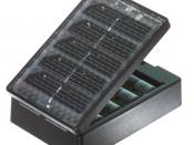 English: Solar AA battery charger. Manufacturer recommends 2 to 3 hours for one battery, and up to 10 to 14 hours for 4 batteries.