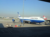 English: United Airlines Boeing B747-400 at Beijing Capital International Airport