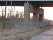 levee-under-i29-i35-bridge
