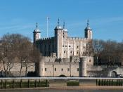 English: The Tower of London seen from across the River Thames.