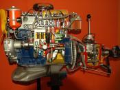 English: School model of engine. Français : Maquette scolaire d'un moteur à explosion.