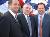 English: Men of Honor producer Robert Teitel, actor Robert De Niro, and screenwriter Scott Marshall Smith attending the launch of USNS Carl Brashear.