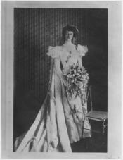 Eleanor Roosevelt wearing her wedding dress in New York City - NARA - 195393