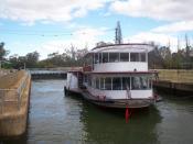 The P.S. Melbourne, passing through Lock 11, Mildura, Victoria, Australia. Photograph taken by myself, September 26, 2007.