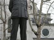 Arthur Harris (London). This statue designed by Faith Winter stands outside St Clement Danes Church in The Strand, London