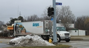 English: Airgas truck, intersection of Hewitt Avenue and Washtenaw Avenue, Ypsilanti Township, Michigan