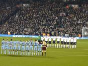English: One minute silence at Craven Cottage between Fulham F.C. and Newcastle United F.C. after the death of Jim Langley.