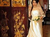 Beautiful Chinese Bride in White Wedding Dress