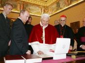 English: VATICAN. With Pope Benedict XVI. Русский: ВАТИКАН. С Папой Римским Бенедиктом XVI.