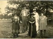 Left to right, Mrs. F. E. Powell, Chattanooga, Tenn., Chaperon, Forrest Calvary, Gen John N. Johnson, Chattanooga, Tenn. Com 1st Div Forrest Calvary, Mrs. John Rawls Jones..Gen W. R. Collier.