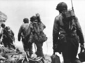 English: American soldiers at Pointe du Hoc - 6 June 1944