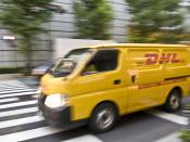 English: DHL on the road in Tokyo Deutsch: DHL in Tokio unterwegs