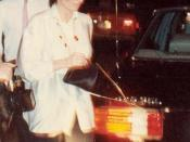 Liza Minnelli arrives at the original Spago on Sunset Boulevard, 1988