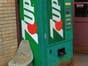 English: An old 7 Up soda machine. There's Coca-Cola available in this 7-Up (A Pepsi product) machine. Very nice --Allstick (talk) 01:54, 28 June 2008 (UTC)