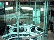 The main trading room of the Tokyo Stock Exchange,where trading is currently completed through computers.