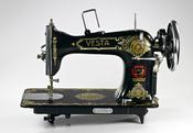 Vesta sewing machine (L.O. Dietrich Altenburg)