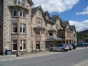 English: Fife Arms Hotel, Braemar Hotel owned by the Wallace Arnold Group.