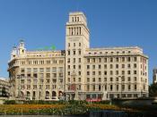 English: Banco Español de Crédito on Plaça de Catalunya, Barcelona, Spain Français : Banco Español de Crédito sur la Place de Catalogne, Barcelone, Espagne