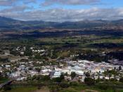 English: Aerial view of Nadi, Fiji, while approaching Nadi International Airport. Deutsch: Blick auf Nadi, Fidschi, während des Landeanflugs auf Nadi International Airport.