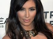 English: Kim Kardashian at the 2009 Tribeca Film Festival for the premiere of Wonderful World. Photographer's blog post about these photos.