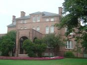 English: Pic of Holladay Hall at North Carolina State University, taken by Seth Anthony on July 10, 2004.