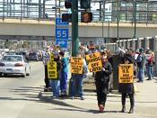 English: Protest in Minnesota, Minneapolis on April 2, 2011 against US military intervention in Libya.