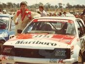 English: Peter Brock Holden Commodore at Symmons Plains 1982