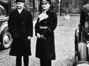 English: The photo shows Erik Scavenius Prime Minister of Denmark with Dr. Werner Best, German plenipotentiary in Denmark. Image dates from 1940-43, most likely 1942-1943. Norsk (bokmål): Fotografiet viser Erik Scavenius, Danmarks statsminister sammen