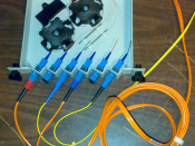 English: a fiber-optic splitter: 2x(input, 90% out, 10%out)