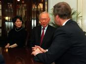 English: United States Secretary of Defense William S. Cohen (right) meets in his Pentagon office with Senior Minister Lee Kuan Yew (center), of Singapore, and Singapore's Ambassador to the U.S. Chan Heng Chee (left) on February 29, 2000. Cohen, Lee and C