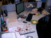 English: Untidy Desk